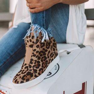 Shoes - NEW! LEOPARD Print Platform Wedge Sneakers